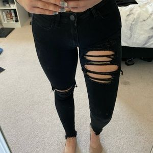Black American eagle jeans (destroyed)